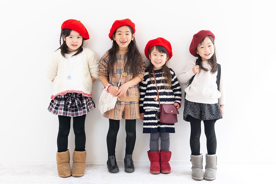 デイジーのトレードマークの赤いベレー帽でパチリ