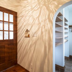 施工事例 アーチ壁 tomioの家