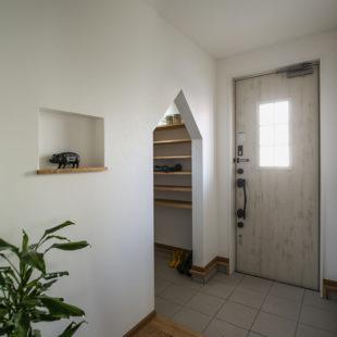 施工事例 玄関 tomioの家